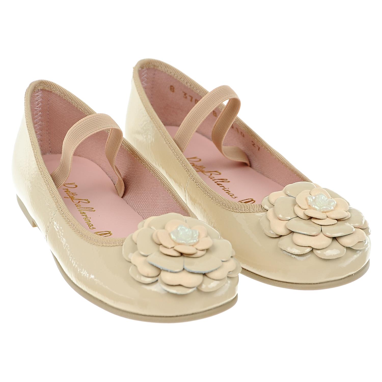 Туфли из кожи с цветочной аппликацией