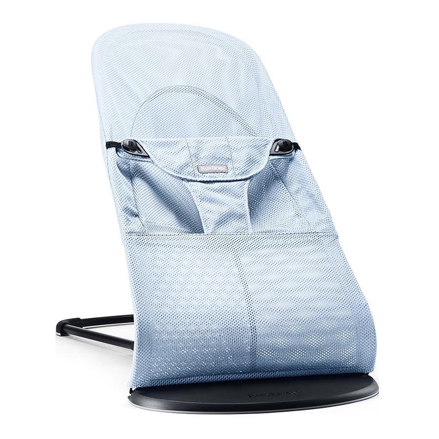 Шезлонг-кресло для детей Baby Bjorn Balance Soft Mesh (Голубой лед)Шезлонги<br><br>