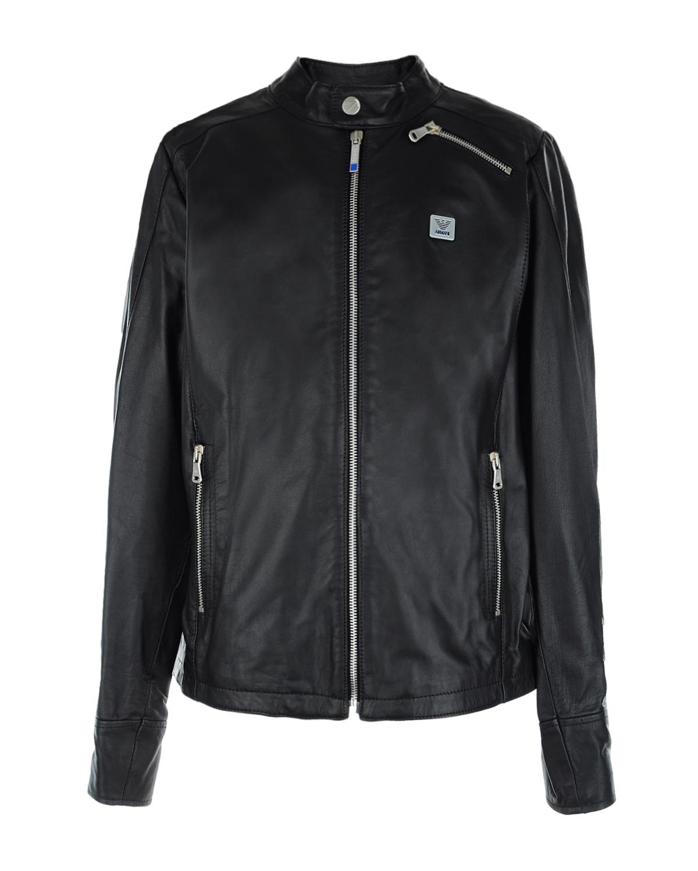 Кожаная байкерская куртка Emporio ArmaniКуртки демисезонные<br>Черная куртка Armani из натуральной кожи. Модель стилизована под байкерскую куртку, с воротником стойкой и тремя карманами: двумя боковыми и одним нагрудным. Куртка декорирована логотипом. Застегивается на молнию.
