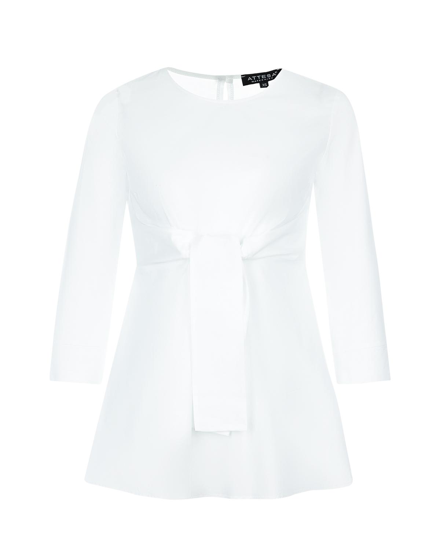 Блузон для беременных с рукавами 3/4 AttesaБлузы, рубашки<br>Белый блузон для беременных Attesa. Модель с круглым вырезом, рукавами длиной 3/4 с манжетами. Застегивается на спине на пуговицу. Линия груди подчеркнута широкими лентами-завязками. Блузон выполнен из хлопка с добавлением эластана.