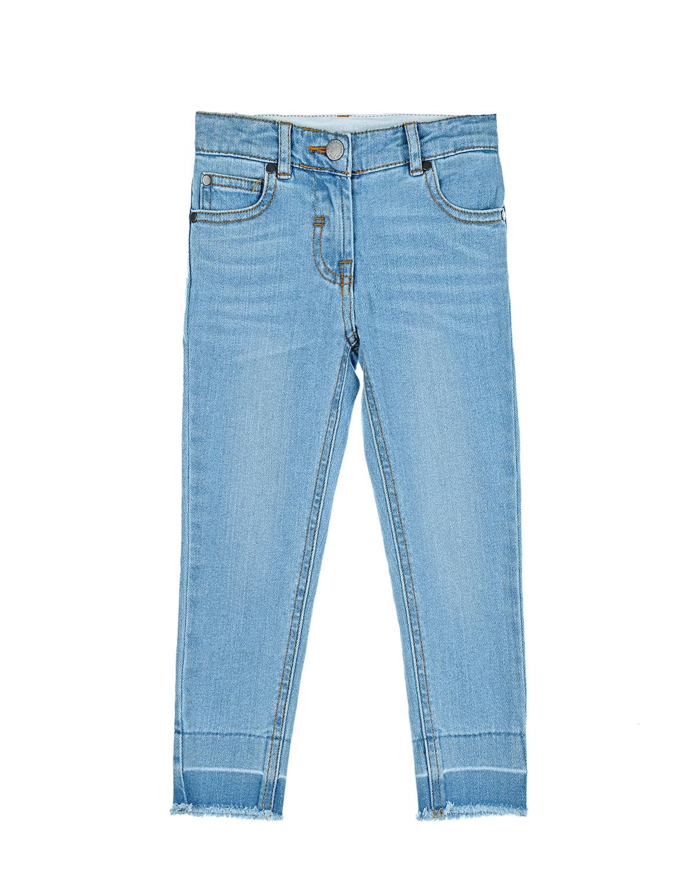 Джинсы skinny Stella McCartneyДжинсы<br>Голубые джинсовые брюки Stella McCartney из хлопка с добавлением эластана. Модель skinny с классическими пятью карманами, поясом со шлевками и необработанным нижним краем.