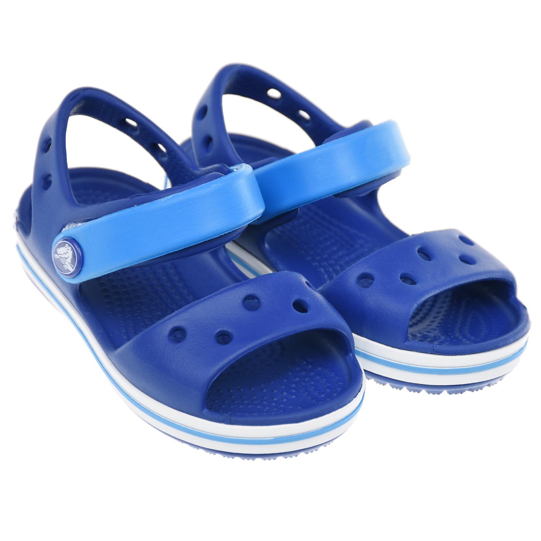Синие сандалии на липучке Crocs.