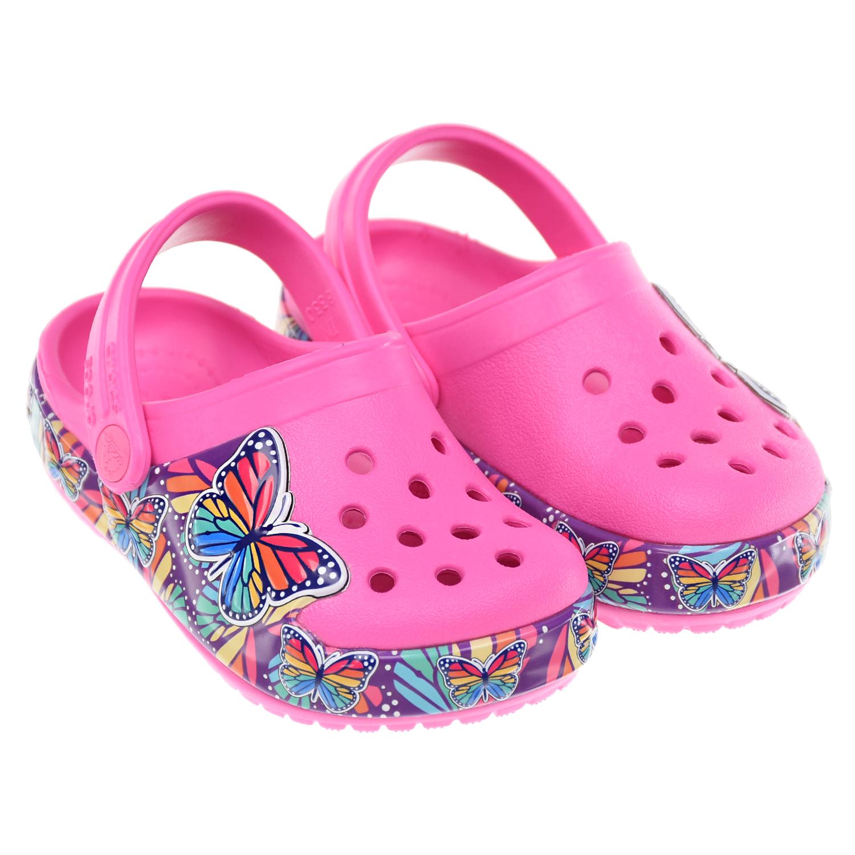 Розовые сланцы со светящимися бабочками Crocs.