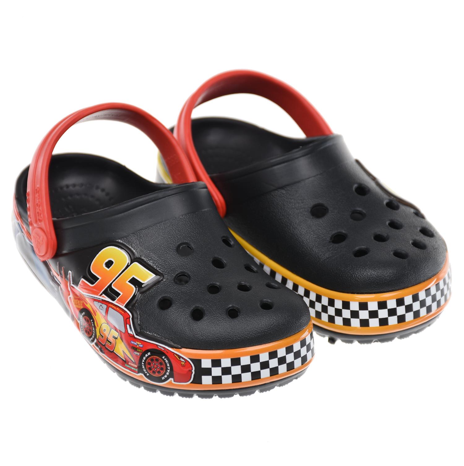 Красно-черные сланцы Crocs.
