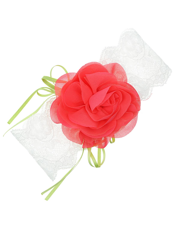 Повязка AlettaПовязки<br>Белая кружевная повязка Aletta с объемной красной текстильной розой.