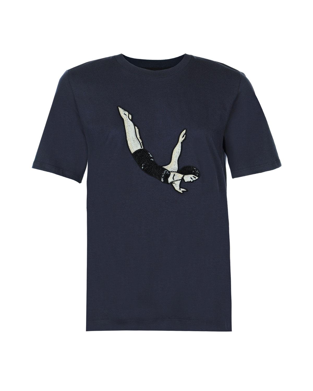 Футболка с вышивкой пайеткамиТопы, Футболки<br>Темно-синяя хлопковая футболка Markus Lupfer. Модель свободного  кроя, с круглым вырезом и короткими рукавами. Футболка декорирована вышивкой пайетками и бисером с изображением ныряльщицы.