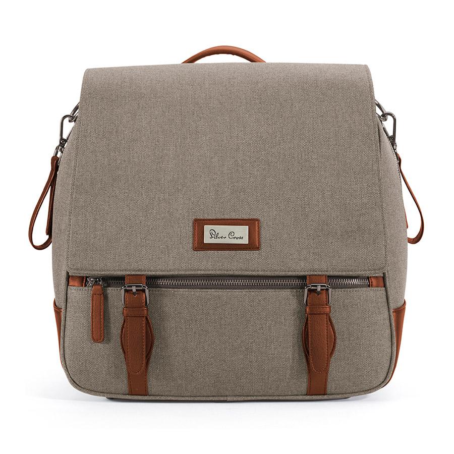Сумка WAVE LINEN  90х36х36 см, бежевыйСумки, органайзеры<br>Стильная сумка Silver Cross была разработана специально для коляски Wave, она может использоваться как сумка, так и стильный рюкзачок. Дизайн сумки удачно сочетается с ее функциональными достоинствами, что незаменимо для современной мамы.brgt;brgt;Выполнена из материалов премиум-класса, стильная, удобная и вместительная модель на молнии, с двумя маленькими кармашками внутри и одним большим внутренним карманом. В комплект входит матрасик для пеленания, чехол для бутылочки. Палитра включает четыре цвета на выбор.