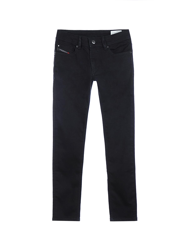 Брюки джинсовые DieselДжинсы<br>Зауженные джинсы DIESEL из черного денима с легким эффектом потертостей. Классический верх с 5-ю карманами. Спереди на маленьком кармане и сзади на поясе нашивки с названием бренда.