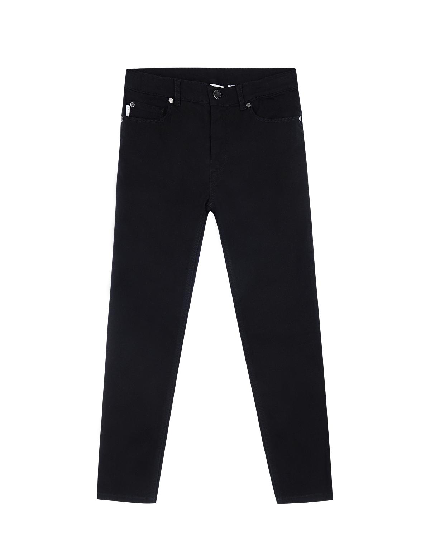 Брюки джинсовые Paul SmithДжинсы<br>Черные джинсы Paul Smith из хлопка с добавлением эластана. Модель с характерным расположением пяти карманов и серыми матовыми заклепками. Джинсы декорированы кожаной нашивкой с логотипом на поясе.